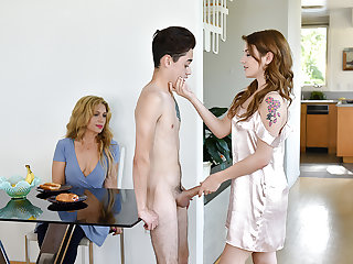 FamilyStrokes - Stepsiblings Gets Caught Fucking apart from Stepmom