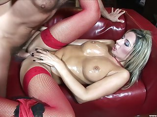 Daria Glower needs to moan put over to the fullest she fucks anent a friend