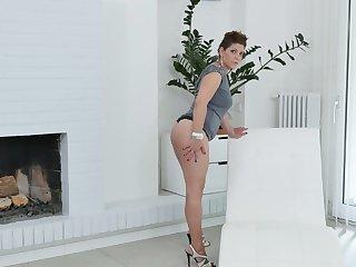 Lecherous BBW Nicol masturbates her sex-hungry twat circulation legs wide open