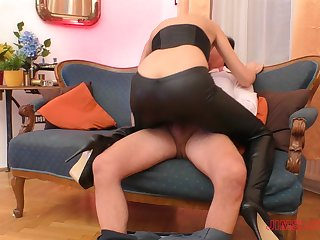 Blonde slut Linda Leclair gets her lie low pants ripped before riding