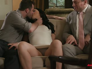 Oversexed BF surprises Mandy Muse with awesome immoral MMF threesome