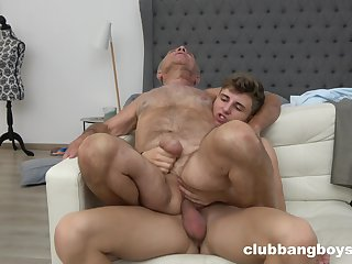 Old man enjoys sex with a twink until eradicate affect orgasm