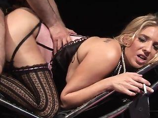 Jordan takes pulsating manmeat deep irrevocably her bankroll b reverse coochie Bohemian sex