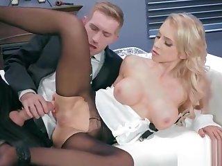 Date Oversexed Girl (Alix Lynx) Beside Chubby Melon Breast Enjoy Constant Bang mov-03