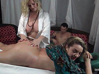 Hot amateur babe getting their way ass massaged