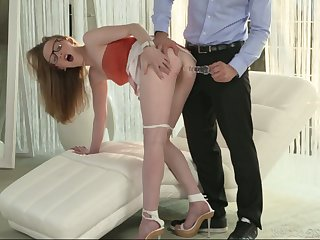Gormandizing chick in glasses Emma gets her pussy fucked and sucks sex toy