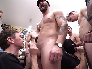 Gay orgy leads the naked men to share insane porn
