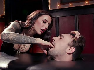 Killing hot blooper Gia DiMarco enjoys cock riding after depethroat blowjob