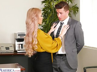 Horny busty blonde secretary Casca Akashova loves fucking imbecilic on the table