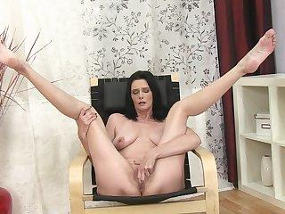 Video of skinny gloom Laura Dark pleasuring her pussy at home